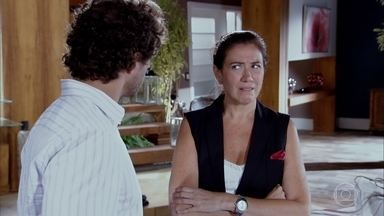 Griselda sente ciúmes de Guaracy - Ele percebe e ironiza o comentário da amiga