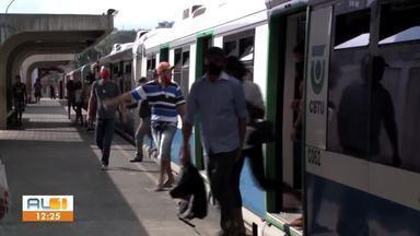 Linha férrea na estação de Rio Largo segue interditada - Passageiros precisam alternar entre trem e ônibus.