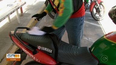 Governo de PE autoriza retomada de atividades de mototaxistas no estado - A medida começou a valer nesta segunda-feira (17). Mas não houve avanço na fase atual do planejamento de retorno das atividades.