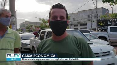 Agências da Caixa Econômica ficam lotadas nesta segunda em Cabo Frio, no RJ - Agências do Centro e de São Cristóvão têm filas e aglomerações.
