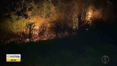 Incêndio atinge o Pico da Ibituruna em Governador Valadares - Bombeiros e brigadistas fizeram trabalho de combate às chamas, que durou seis horas.