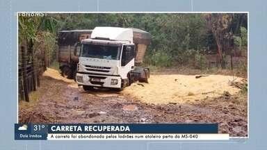 Carreta roubada é abandonada por ladrões na MS-040 - Roubo