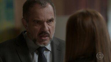 Germano se revolta contra Lili e garante que Sofia está morta - A empresária é firme e diz que Fabinho compartilha da mesma opinião