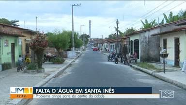 Moradores do Centro de Santa Inês sofrem com a falta d' água - O drama, que se repete com frequência na cidade, fica pior agora no período de estiagem.