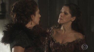 Elvira implora a Cosette para ocupar o lugar do ator que se demitiu - A atriz não permite