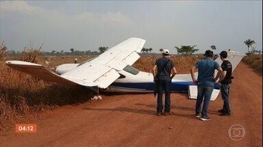 Avião carregado de cocaína faz pouso forçado em Rondônia - Os ocupantes roubaram um carro e fugiram.