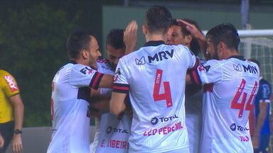 Flamengo joga bem e vence o Bahia por 5 x 3 pelo Brasileirão - Flamengo joga bem e vence o Bahia por 5 x 3 pelo Brasileirão