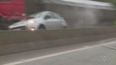 Acidente grave interdita a Via Anchieta na sexta-feira - Duas pessoas morreram, entre elas uma criança.