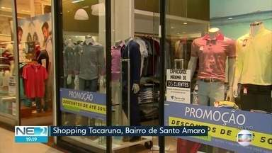 Clientes aproveitam promoções da Semana Brasil - Lojistas prometem oferecer descontos competitivos.