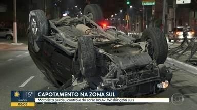 Carro capota no corredor Norte-Sul em SP - Acidente interditou viA.