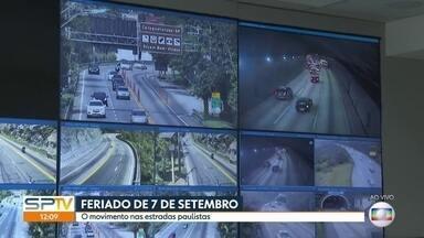 O movimento nas estradas paulistas - A volta pra casa depois do fim de semana prolongado.
