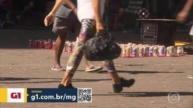 Ambulantes de BH criam rede de solidariedade para sobreviver na pandemia - A capital tem hoje mais de 12 mil vendedores ambulantes. São vendedores de picolé, pipoca, frutas, churros e bebidas que viram a renda desaparecer.
