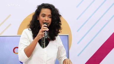 """Héloa se apresenta cantando """"La Tempo"""" - Cantora bateu um papo com Jamile e Menilson"""