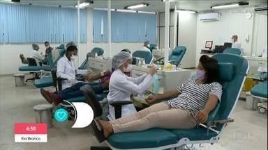 Doação de sangue e órgãos sofre queda durante pandemia - No Brasil, 850 pacientes estão a espera do transplante de medula óssea