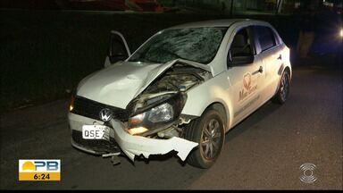 Homem morre atropelado e motorista abandona local, em Bayeux - Frente do carro ficou parcialmente destruída