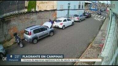 Câmeras de segurança registram furto de veículo no centro de Campinas - O crime aconteceu na terça-feira (22) e não há informações sobre o carro e o suspeito.