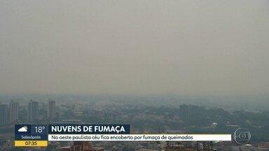 Céu do oeste do estado fica encoberto por fumaça de queimadas - Em Presidente Prudente, cenas de incêndio têm sido comuns, mesmo em áreas urbanas.
