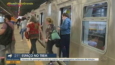Usuários do trem reclamam de lotação dos vagões no RS - Assista ao vídeo.
