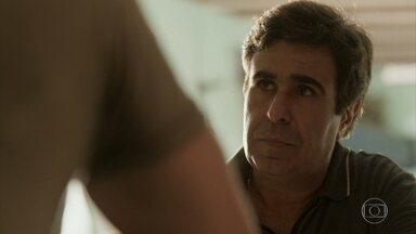 Hugo oferece dinheiro a Dino - Dino dá sua palavra e garante que vai deixar Gilda em paz