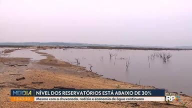 Nível dos reservatórios está abaixo de 30% - Mesmo com a chuvarada, rodízio e economia de água continuam.