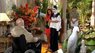 Guiomar aparece com Nicole na casa de Dionísio - Ela exige se hospedar na casa de Dionísio. Guiomar diz a Nicole que voltou para conquistar seu filho