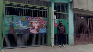 Habitantes de São Miguel Paulista servem de inspiração para artista plástico do bairro - O artista plástico Chuck Gomes resolveu retratar da melhor maneira possível as pessoas que moram em São Miguel Paulista. Para ele, era importante mostrar o bairro como uma verdadeira obra de arte.