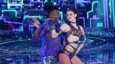 Isabeli Fontana dança 'Paredão' com Igor Maximiliano - A modelo se apresenta no 'Dança dos Famosos´