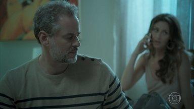 Joyce marca um encontro com Irene e Eugênio fica tenso - Eugênio diz que ela afastará Ruy e reclama