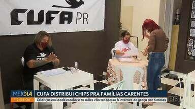 1500 chips são entregues pra famílias carentes do Parolin - A CUFA faz a distribuição em 22 cidades brasileiras. Os chips permitem que crianças acessem plataformas de educação e as mães plataformas de empreendedorismo durante 6 meses e de graça