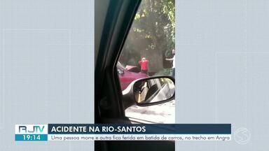 Homem morre e outro fica ferido em acidente na Rio-Santos, em Angra dos Reis - Batida aconteceu na altura do bairro Camorim Grande. Vítima tem 51 anos e morreu no local. O segundo envolvido na batida sofreu ferimentos leves e foi liberado.