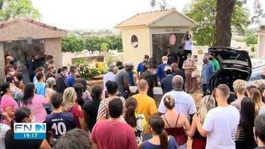 Corpo de policial militar assassinado em SP é sepultado em Presidente Prudente - Daniel Alves de Lima também era pastor evangélico.
