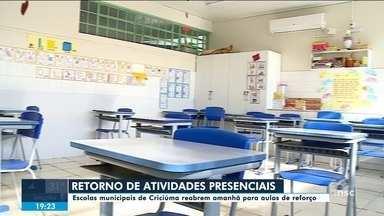 Atividades presenciais recomeçam nas escolas municipais de Criciúma nesta quarta (21) - Atividades presenciais recomeçam nas escolas municipais de Criciúma nesta quarta (21)