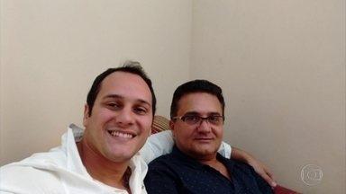 """Operação do MP prende ex-deputado Silas Bento e o filho no RJ - Segundo a promotoria, Silas implementou um esquema de """"rachadinha"""" em seu gabinete. O filho dele é acusado de recolher 80% de uma ex-servidora fantasma do pai."""