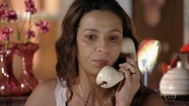 Bibiana pede que Hélio vá à sua casa - Hélio se assusta quando a mãe lhe diz que se trata de uma ordem e não um convite. Bibiana aconselha Marizé a manter o bom caráter