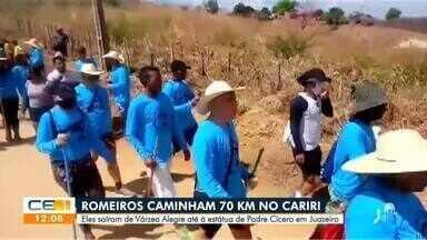 Romeiros caminham 70 quilômetros no Cariri em homenagem a Padre Cícero - Saiba mais em g1.com.br/ce