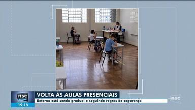 Escolas retornam atividades presenciais nesta segunda - Escolas retornam atividades presenciais nesta segunda