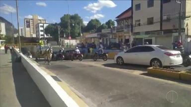 Engavetamento é registrado no Mergulhão, em Governador Valadares - O local é o mesmo onde foi registrado o acidente que matou um motociclista.