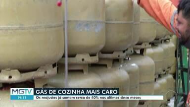 Botijão de gás tem o oitavo reajuste em seis meses - Em Montes Claros, unidade está sendo vendida a R$ 85.