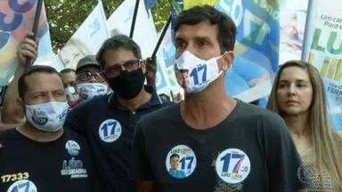 Luiz Lima (PSL) faz campanha no Méier - O candidato do PSL caminhou pela rua Dias da Cruz.