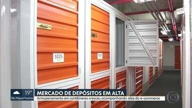 Mercado de depósito em contêineres dispara em meio à pandemia - O chamado self storage cresceu junto com as vendas pela internet.. Lojas têm optado por usar espaço como mini-estoques espalhados pela cidade.