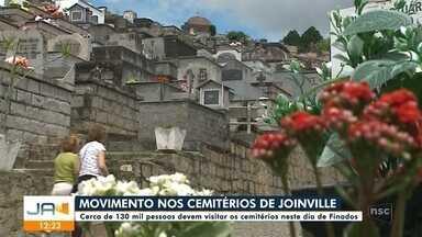 Dia de Finados: 130 mil pessoas devem passar pelos cemitérios de Joinville - Dia de Finados: 130 mil pessoas devem passar pelos cemitérios de Joinville