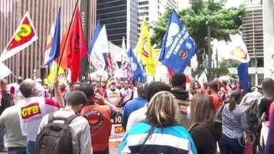 Sindicatos fazem manifestação em São Paulo para pedir renovação da desoneração - Representantes das empresas dos setores que mais empregam no país também pedem a continuidade da desoneração da folha de pagamentos.