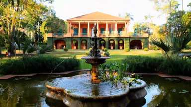 Isabel Duprat & Carolina Ferraz - A prestigiada paisagista Isabel Duprat fala do convívio com Roberto Burle Marx e mostra como restaurou um de seus mais bonitos jardins, na Gávea. Carolina Ferraz mostra o jardim de sua casa.