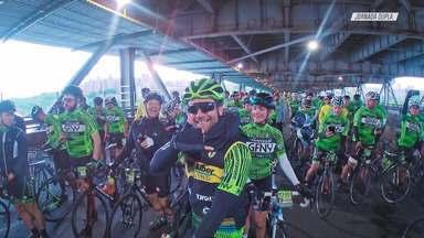 Marcio Santoro - Acompanhamos Marcio Santoro, sócio da agência de publicidade Africa, pai, surfista e ciclista nas horas vagas. Ele mostra um pouco do seu dia-a-dia atribulado além de participar de maratona de bike em Nova York.