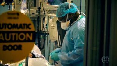 EUA batem recorde de casos de Covid com mais de 142 mil registros em 24 horas - O estado de Nova York, que já foi o epicentro da doença, vai voltar a implantar novas medidas de restrições.