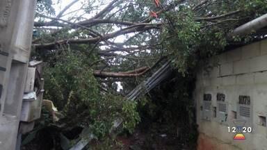 Chuva gerou transtorno em Jacareí - Confira as informações.