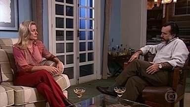 Helena e Miguel conversam sobre Edu - Miguel acha que Helena está afastando aqueles que a amam