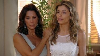 Ester é obrigada a levar Laurinha para a casa de Alberto - Lindaura acompanha a filha no momento dramático
