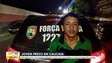 Jovem é preso com moto roubada e arma falsa em Caucaia - Saiba mais em: g1.com.br/ce