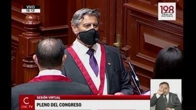 Novo presidente interino do Peru promete unir o país - Francisco Sagasti é o terceiro presidente em uma semana. Crise começou com o impeachment de Martín Vizcarra.